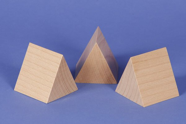 wooden triangular pillar 6 x 6 x 6 cm isosceles