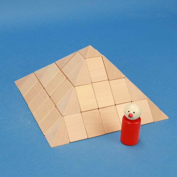 großes Pyramiden-Set aus Buche 12 cm
