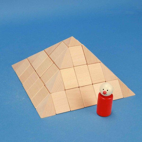 large pyramid-Set in beechwood 12 cm