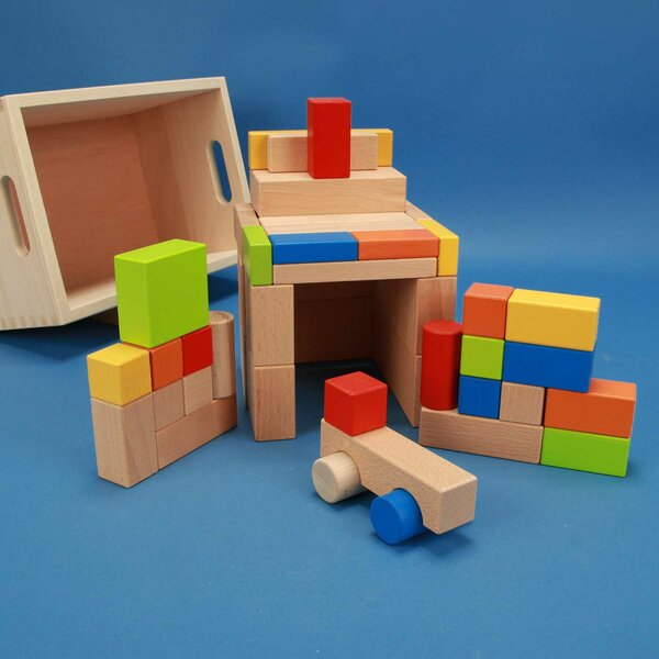 Set of 50 wooden blocks coloured with Car in box