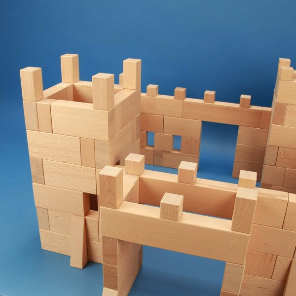 Castle made of 170 wooden building blocks in beechwood-boxes