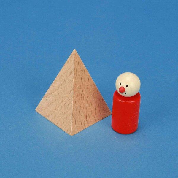grote pyramid van beukenhout 6 x 6 x 8 cm
