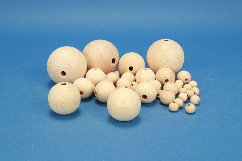 Basteln mit Holzkugeln mit Halbbohrung