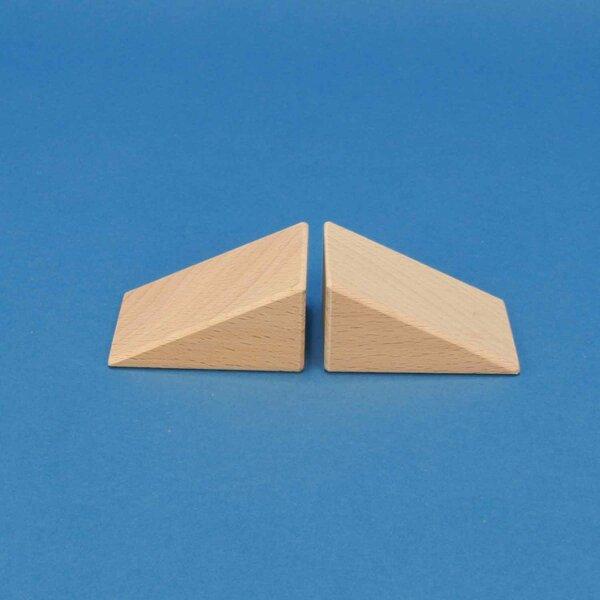 wooden triangle blocks 6 x 4,5 x 3 cm