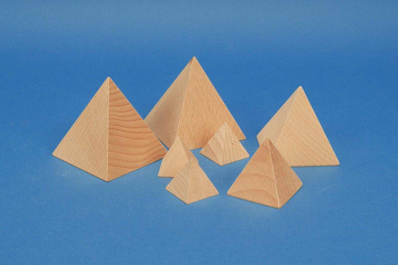 Pyramiden_Buche