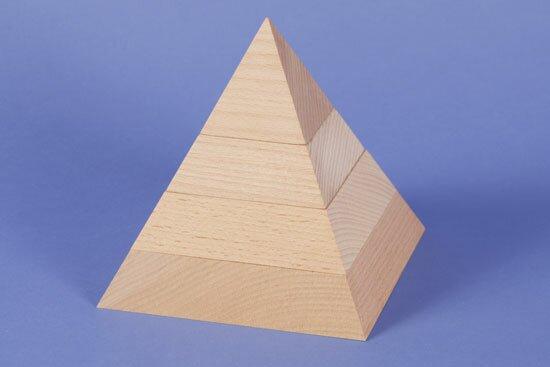 grande pyramide à base carrée 15 x 15 x 15 cm