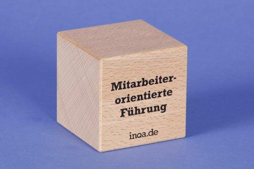 Holzbausteine als haptische Verkaufshilfe