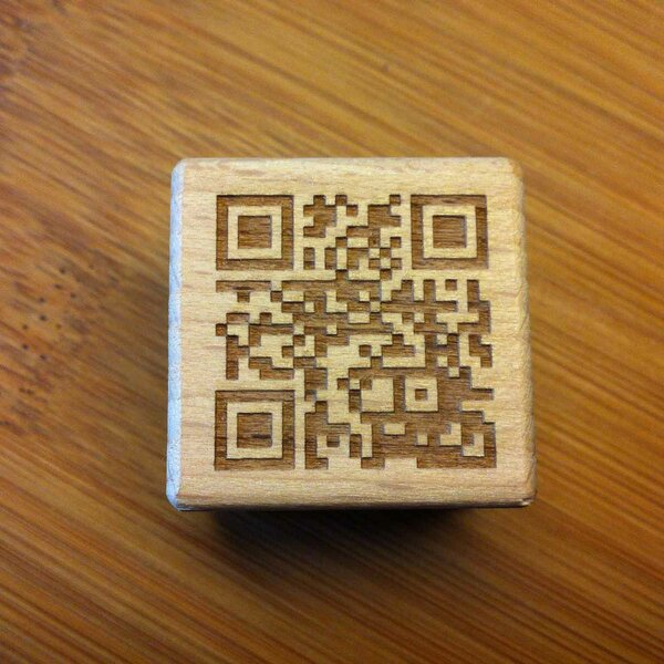 WOODEN CUBE QR-CODE CONTACT TRACING LASER ENGRAVING
