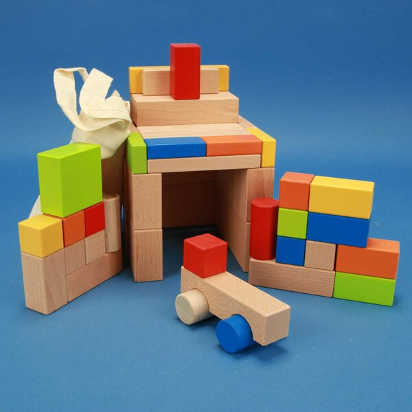 Set of 50 wooden blocks coloured with Car