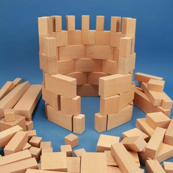 Sortiment aus 140 großen und kleinen Holzbauklötzen