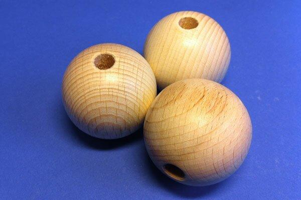 Boules en bois Ø 25mm demi perces 6mm