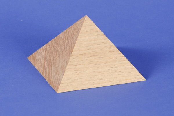 large square base pyramid 9,5 x 9,5 x 6 cm